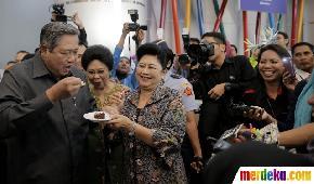 Presiden SBY rayakan hari ulang tahun ke-65>