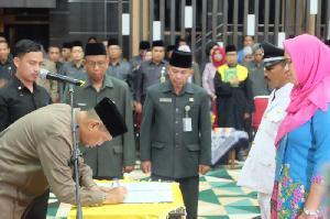 Wabup Syamsuddin Uti Lantik 83 Pejabat di Lingkungan Pemkab Inhil